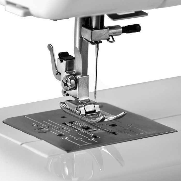 Sewing Machine Review - Janome 2212
