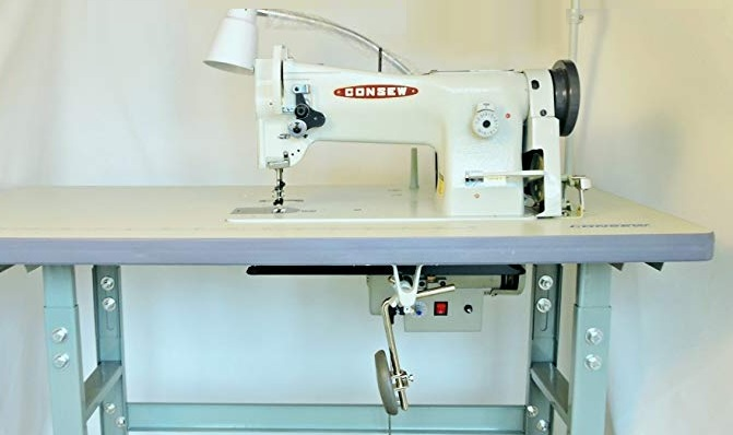 Consew 206RB-5 Triple Feed, Heavy Duty, Single Needle Sewing Machine