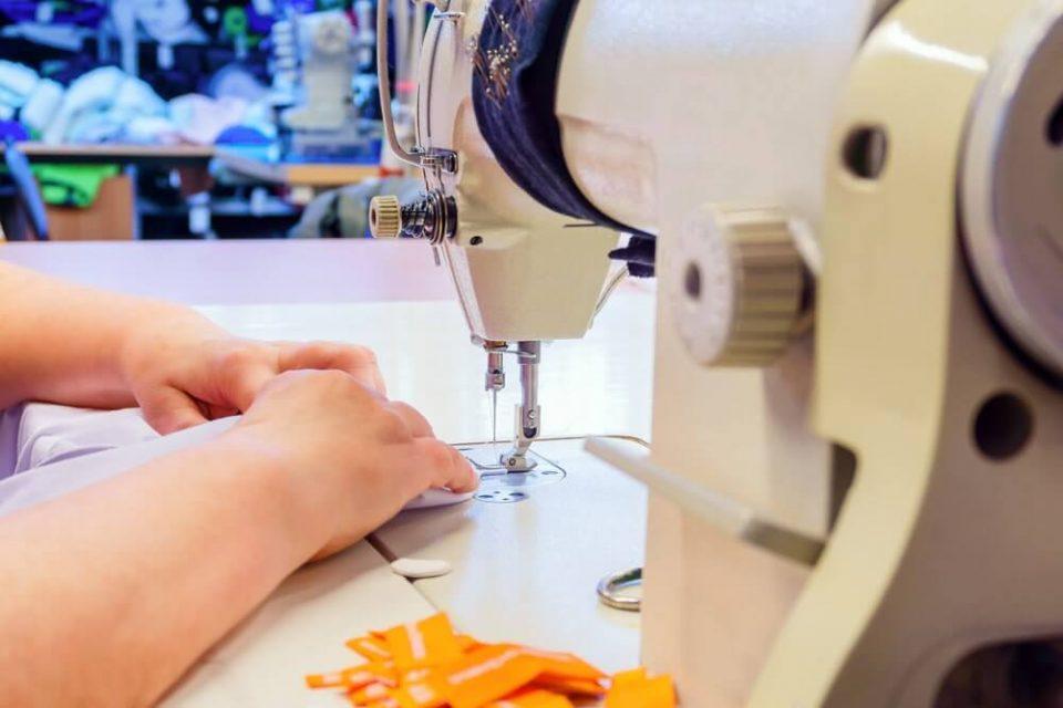 Singer 1304 Sewing Machine