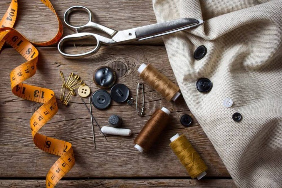 Scissors, needle, thimble