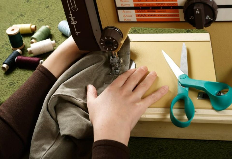 Sewing 101 – The Ultimate Beginner's Guide to Sewing